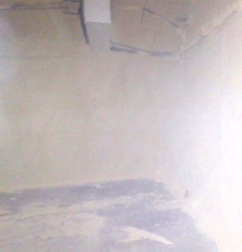 стена после очистки